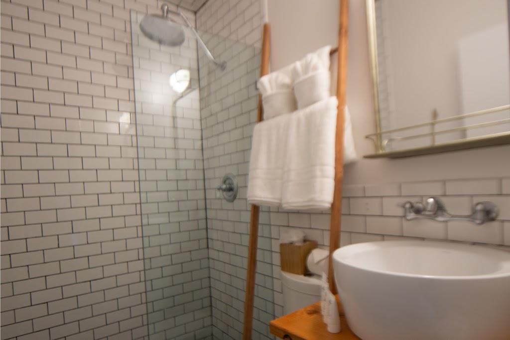 Ruschmeyers - lodging    Photo 3 of 10   Address: 161 2nd House Rd, Montauk, NY 11954, USA   Phone: (631) 668-2877