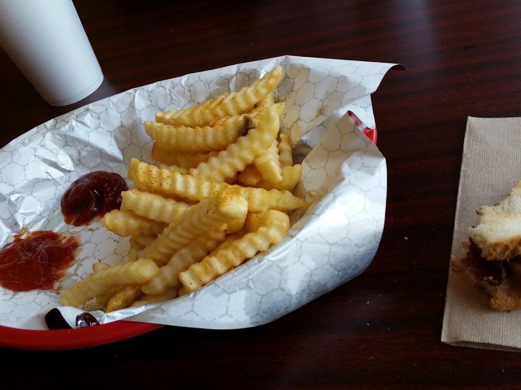 Gulf Station Cafe - cafe    Photo 5 of 10   Address: 1040 San Antonio Ave, Many, LA 71449, USA   Phone: (318) 273-2233