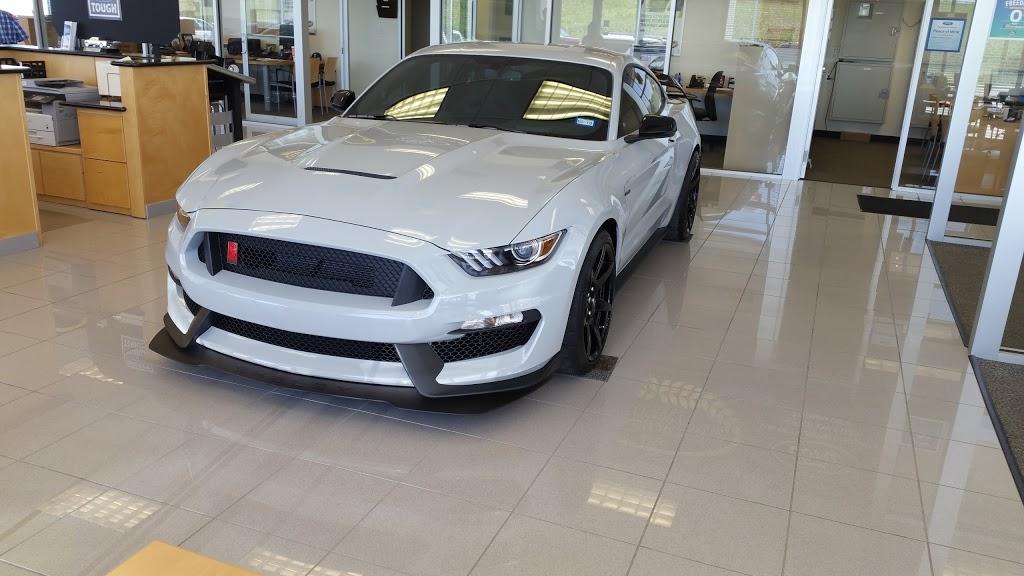 Holiday Chevrolet Whitesboro Texas >> Holiday Chevrolet Car Dealer 1009 Us 82 Whitesboro Tx