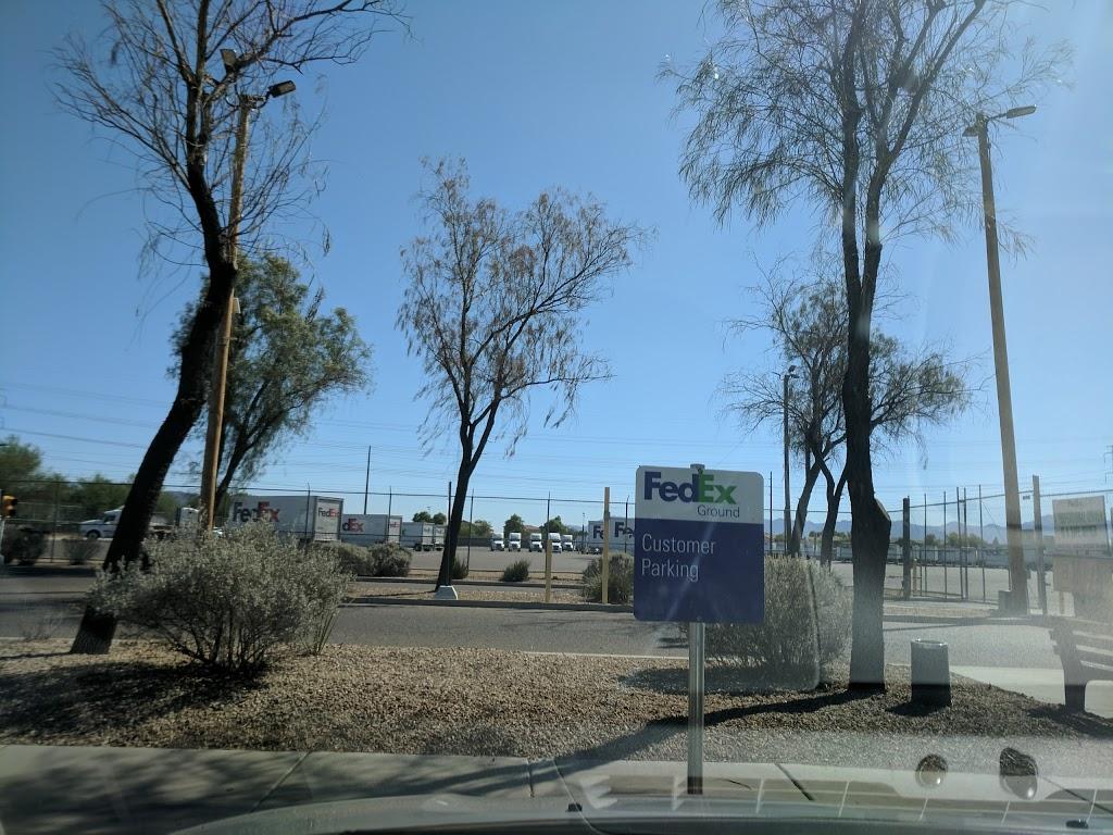 FedEx Ground - moving company    Photo 8 of 10   Address: 3410 S 51st Ave, Phoenix, AZ 85043, USA   Phone: (800) 463-3339