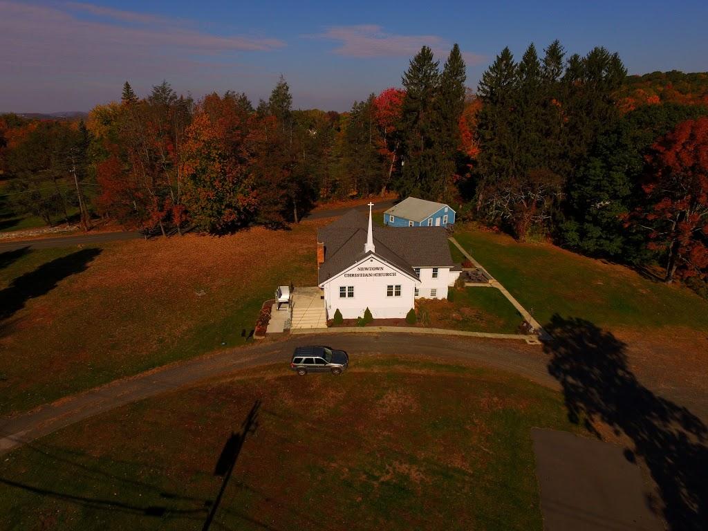 Newtown Christian Church - church  | Photo 1 of 6 | Address: 210 Sugar St, Newtown, CT 06470, USA | Phone: (203) 426-6189