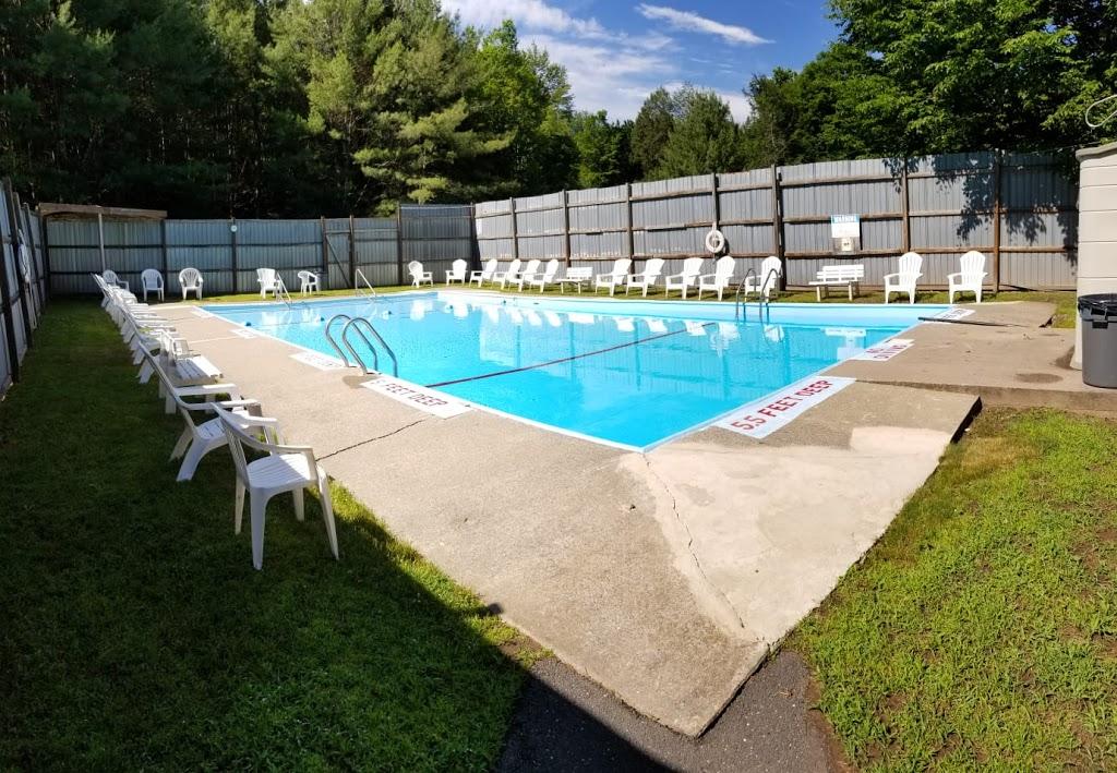 Koson Bungalows - lodging  | Photo 1 of 10 | Address: 389 Riverside Dr, Fallsburg, NY 12733, USA | Phone: (845) 436-8021