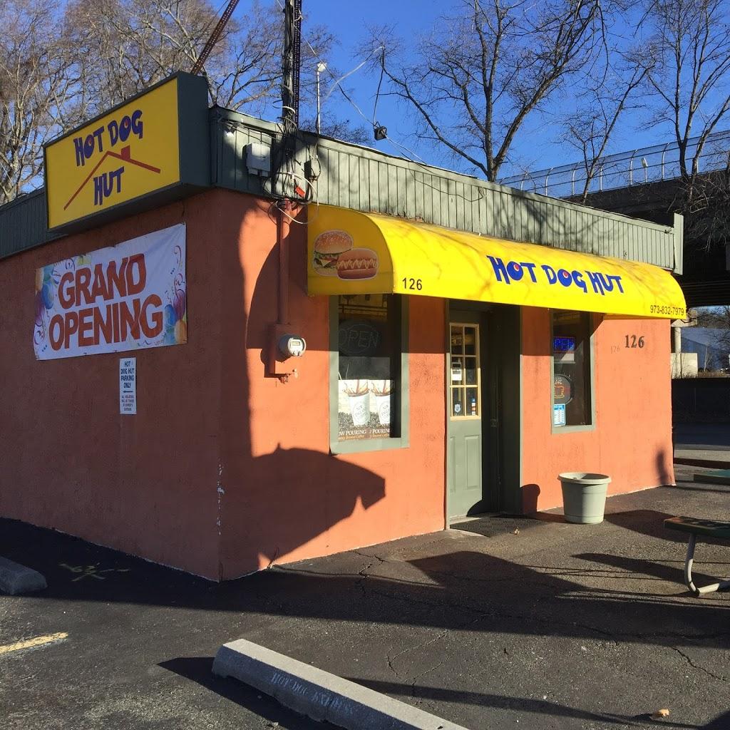 Hot Dog Hut - restaurant    Photo 3 of 10   Address: 126 Mountainview Blvd, Wayne, NJ 07470, USA   Phone: (973) 832-7979