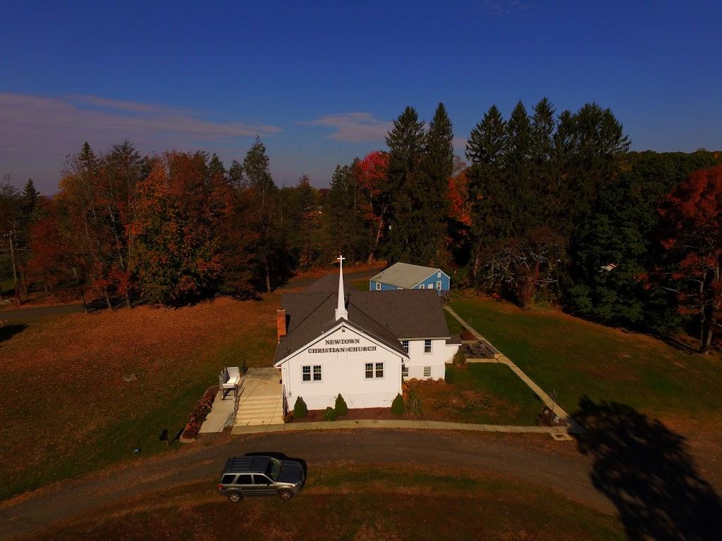 Newtown Christian Church - church  | Photo 2 of 6 | Address: 210 Sugar St, Newtown, CT 06470, USA | Phone: (203) 426-6189