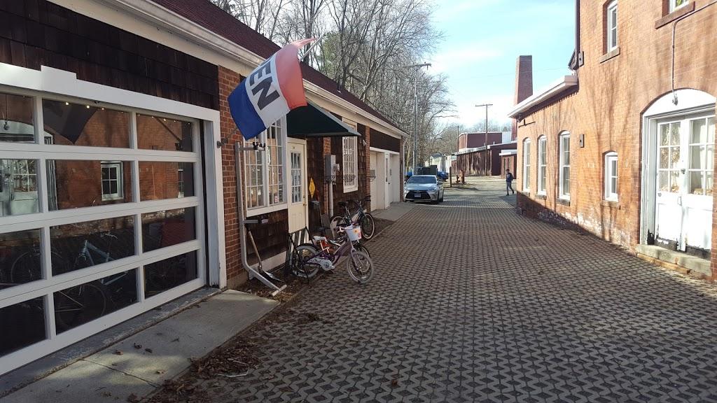 Full Circle Bike Shop - bicycle store  | Photo 4 of 9 | Address: 30 N Maple St, Florence, MA 01062, USA | Phone: (413) 585-8700