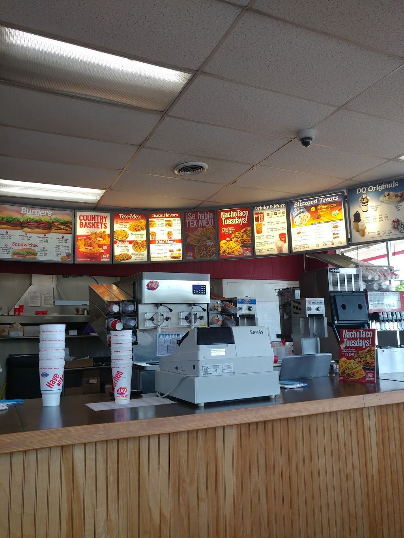 Dairy Queen Store - restaurant    Photo 2 of 10   Address: 927 E Omega St, Henrietta, TX 76365, USA   Phone: (940) 538-4411