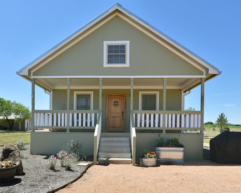 Gladheart - lodging    Photo 5 of 10   Address: 430 Glad Heart Trail, Fredericksburg, TX 78624, USA   Phone: (830) 307-8205