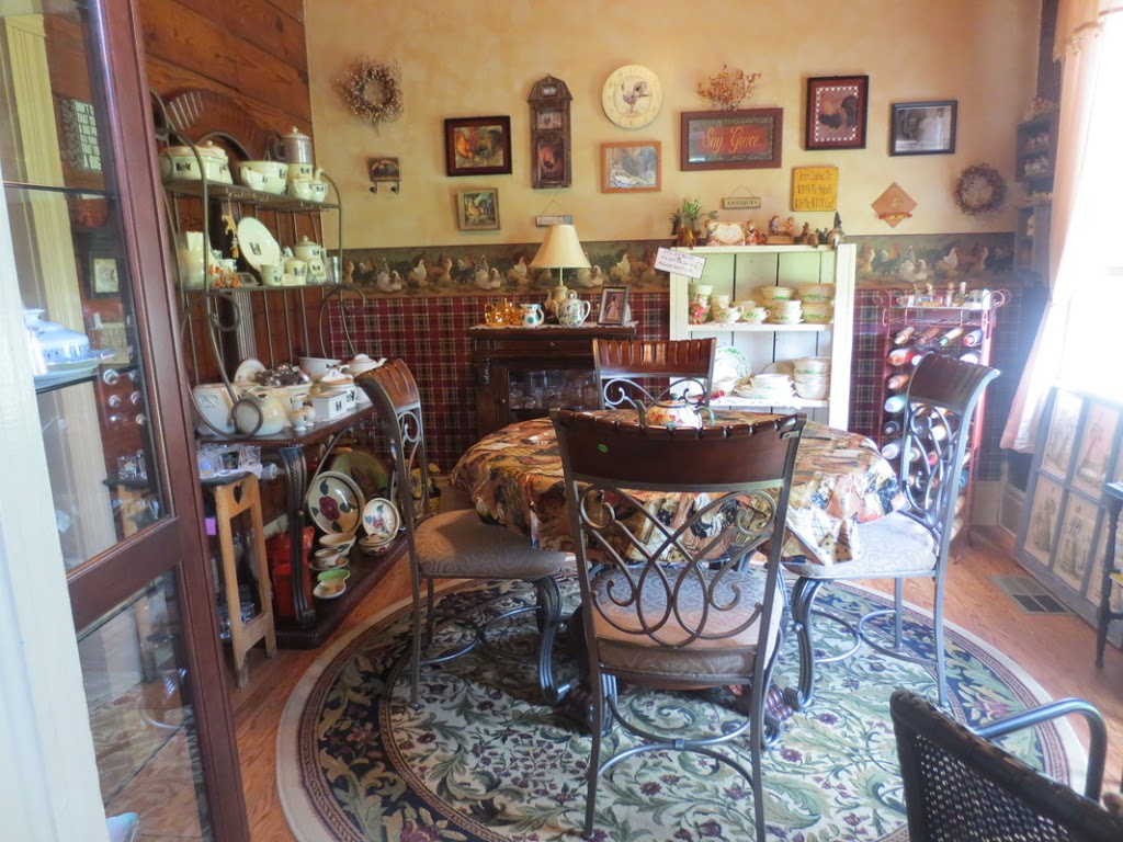 The Geranium House Bed & Breakfast / Tea Room & Bistro - cafe  | Photo 9 of 10 | Address: 600 Wood St, Athens, TX 75751, USA | Phone: (903) 675-6895