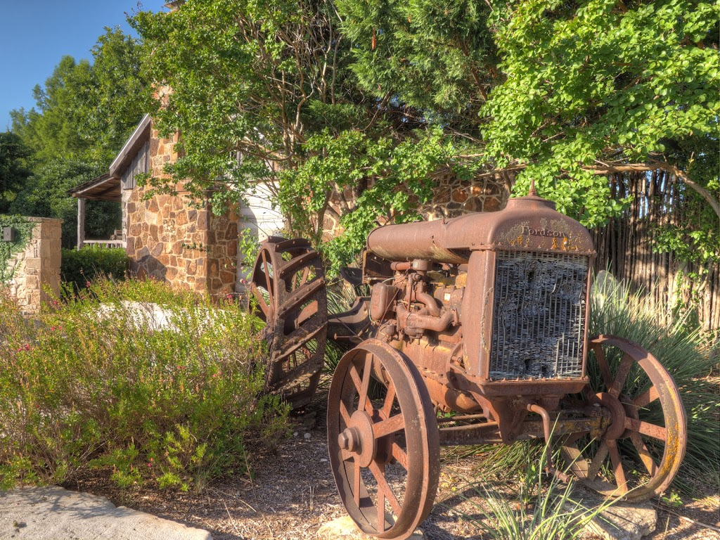 Cotton Gin Village - lodging    Photo 9 of 10   Address: 2805 S State Hwy 16, Fredericksburg, TX 78624, USA   Phone: (830) 990-8381