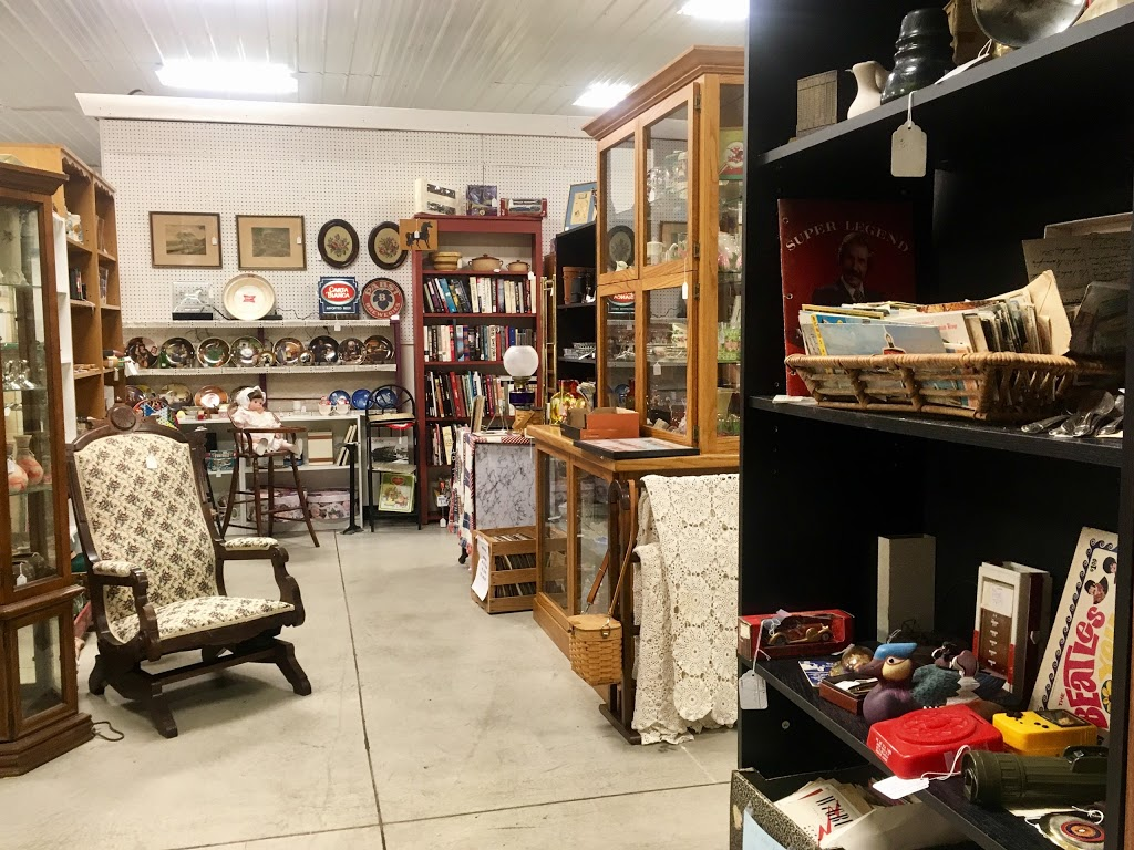 Williamsville Antique Mall | home goods store | Historic U.S. 66, Williamsville, IL 62693, USA | 2175663442 OR +1 217-566-3442