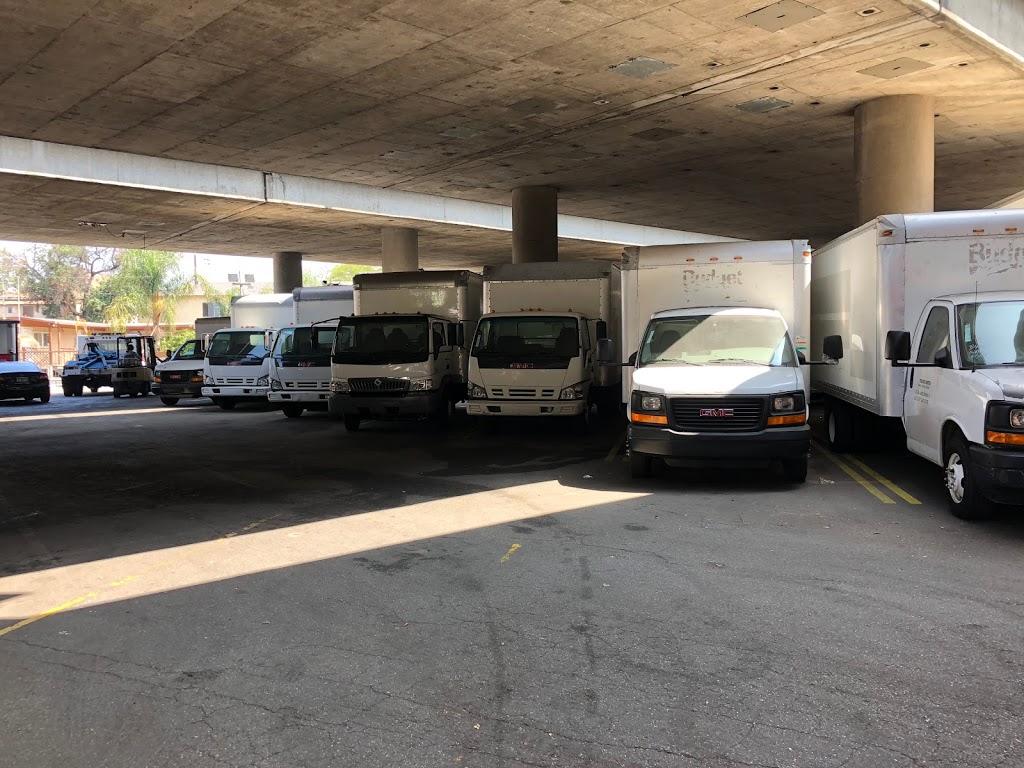 LA TRUCKS CENTER - car repair  | Photo 2 of 10 | Address: 965 W Washington Blvd, Los Angeles, CA 90015, USA | Phone: (213) 748-8686