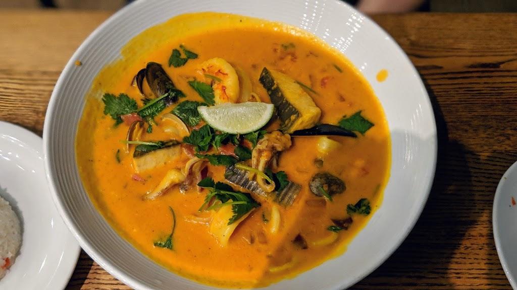 La Costanera - restaurant  | Photo 9 of 10 | Address: 8150 Cabrillo Hwy, Montara, CA 94037, USA | Phone: (650) 728-1600