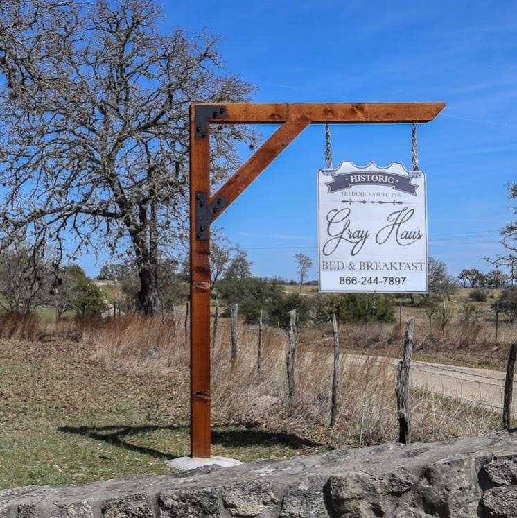 Gray Haus - lodging  | Photo 7 of 10 | Address: 682 Old Comfort Rd, Fredericksburg, TX 78624, USA | Phone: (866) 244-7897