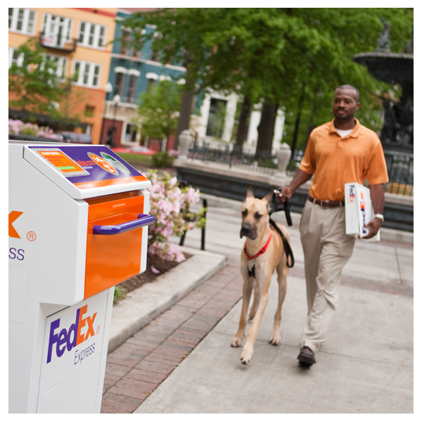 FedEx Ship Center - store  | Photo 4 of 6 | Address: 606 W 49th St, New York, NY 10019, USA | Phone: (800) 463-3339