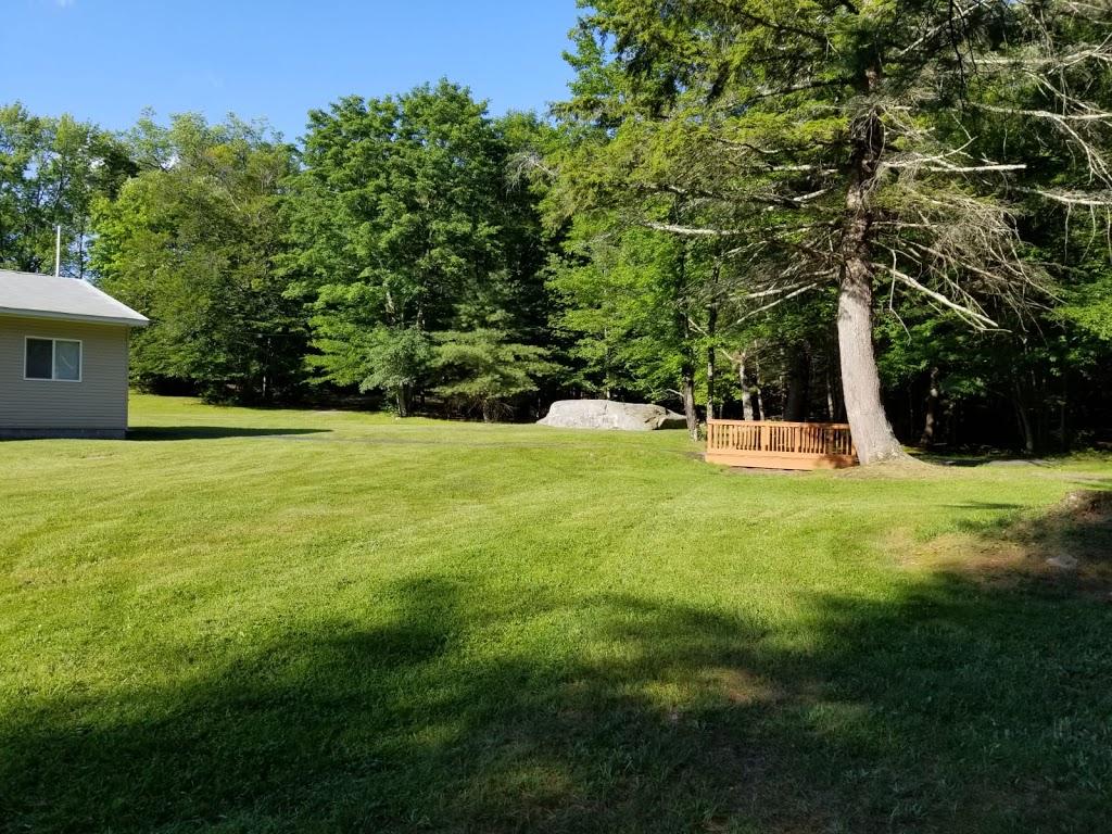 Koson Bungalows - lodging  | Photo 8 of 10 | Address: 389 Riverside Dr, Fallsburg, NY 12733, USA | Phone: (845) 436-8021