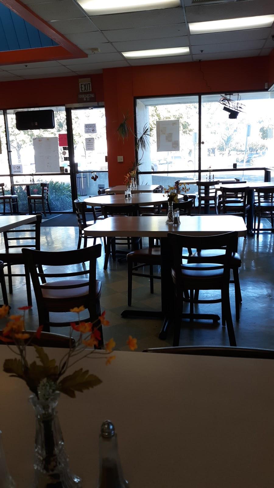 Hot Spot Café & Deli - cafe  | Photo 6 of 10 | Address: 800 Chadbourne Rd #11, Fairfield, CA 94534, USA | Phone: (707) 421-0296