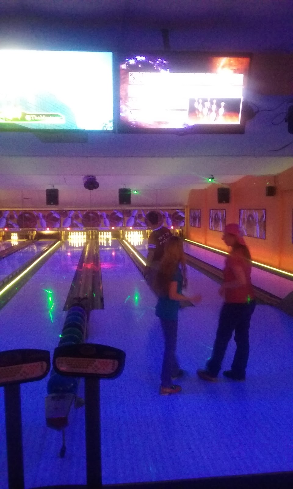 Lake Street Lanes - bowling alley  | Photo 1 of 10 | Address: 10 Lake St, New Berlin, NY 13411, USA | Phone: (607) 847-8594