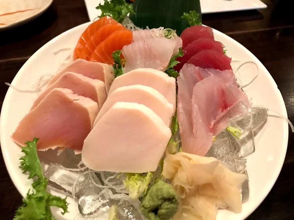Blossom Asian Bistro - restaurant  | Photo 3 of 10 | Address: Packanack Shopping Center 1490 Rt 23 N, Wayne, NJ 07470, USA | Phone: (973) 628-9020