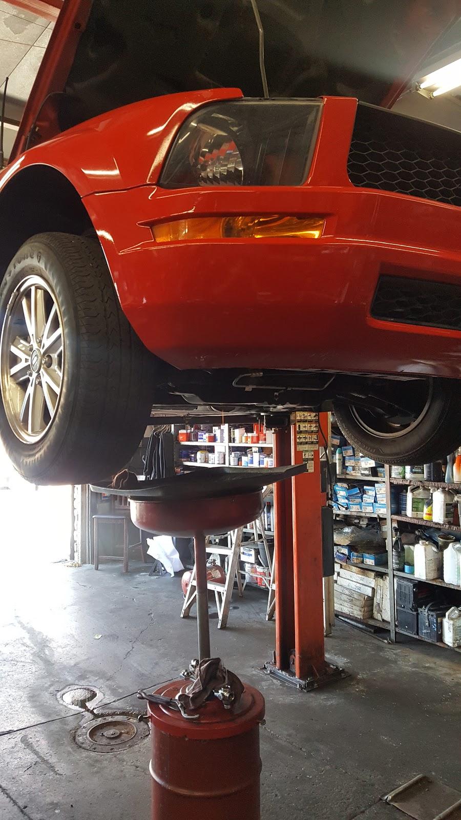 Full Service Auto - car repair  | Photo 1 of 1 | Address: 1007 N La Brea Ave, Inglewood, CA 90302, USA | Phone: (310) 673-0424