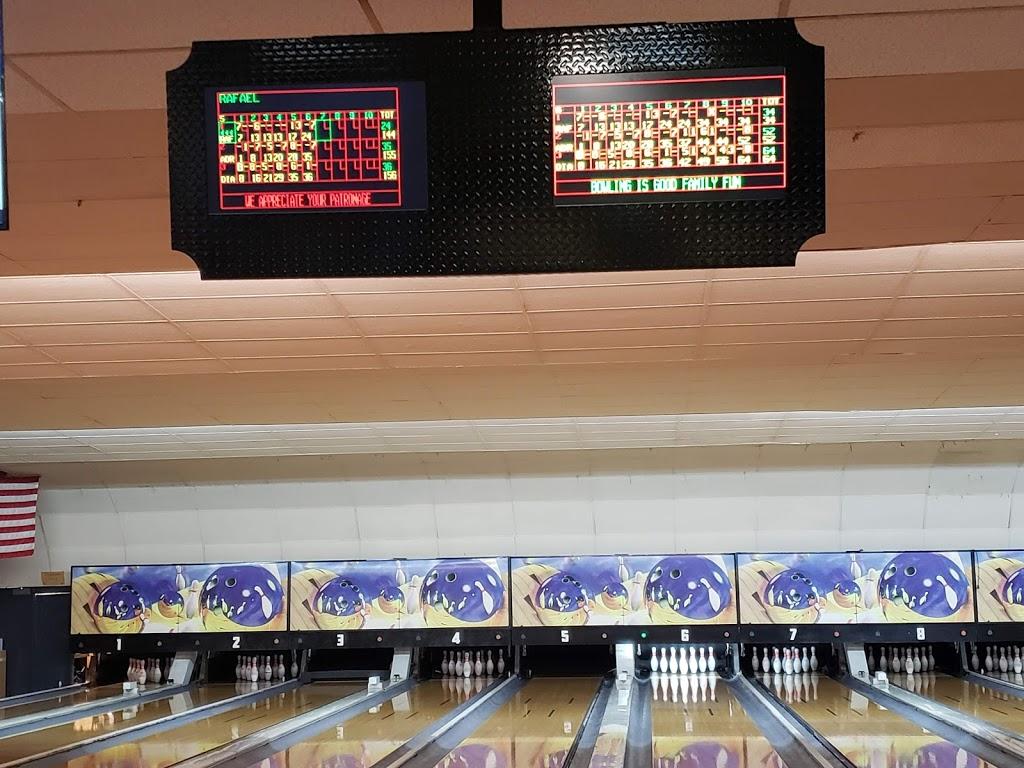 Pleasant Bowl - bowling alley  | Photo 9 of 10 | Address: 754 E 16th St, Mt Pleasant, TX 75455, USA | Phone: (903) 572-0347