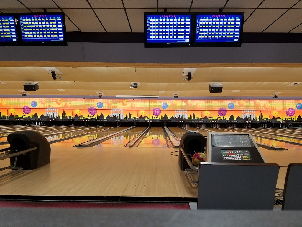 Del Lanes - bowling alley  | Photo 2 of 10 | Address: 4 Bethlehem Ct, Delmar, NY 12054, USA | Phone: (518) 439-2224