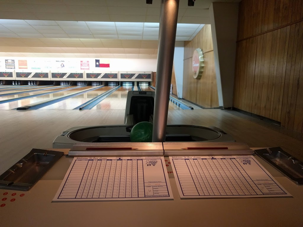 Leesure Lanes - bowling alley  | Photo 7 of 7 | Address: 2249 US-290, Giddings, TX 78942, USA | Phone: (979) 542-3195