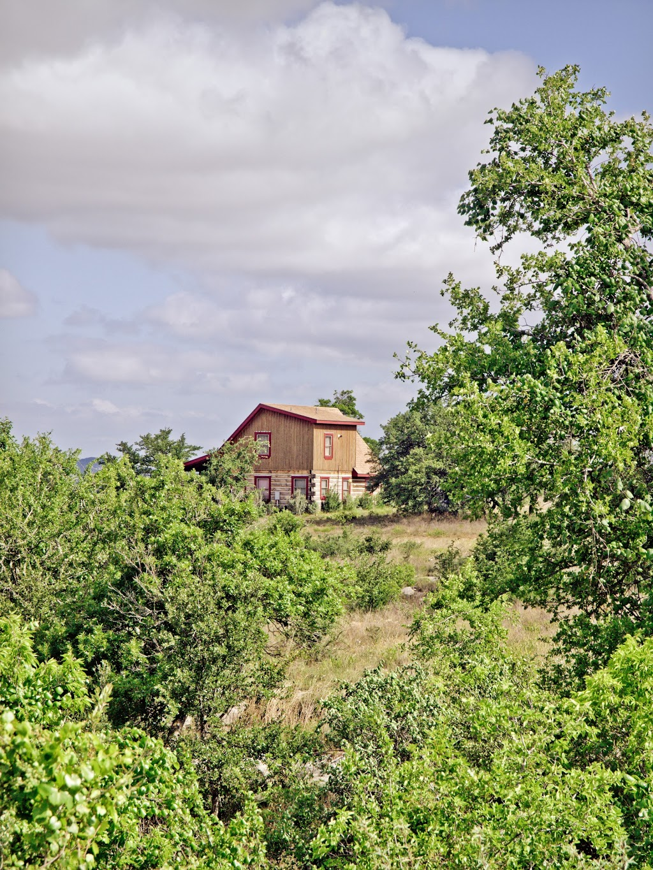 Agarita Creek Farms - lodging  | Photo 9 of 10 | Address: 968 Braeutigam Road, Fredericksburg, TX 78624, USA | Phone: (830) 992-5283