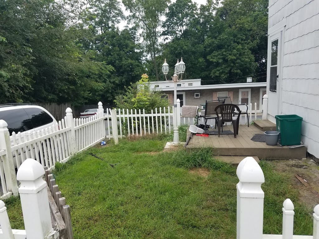 Zooks Motel - lodging  | Photo 6 of 10 | Address: 103 E Main St, Leola, PA 17540, USA | Phone: (717) 656-3313