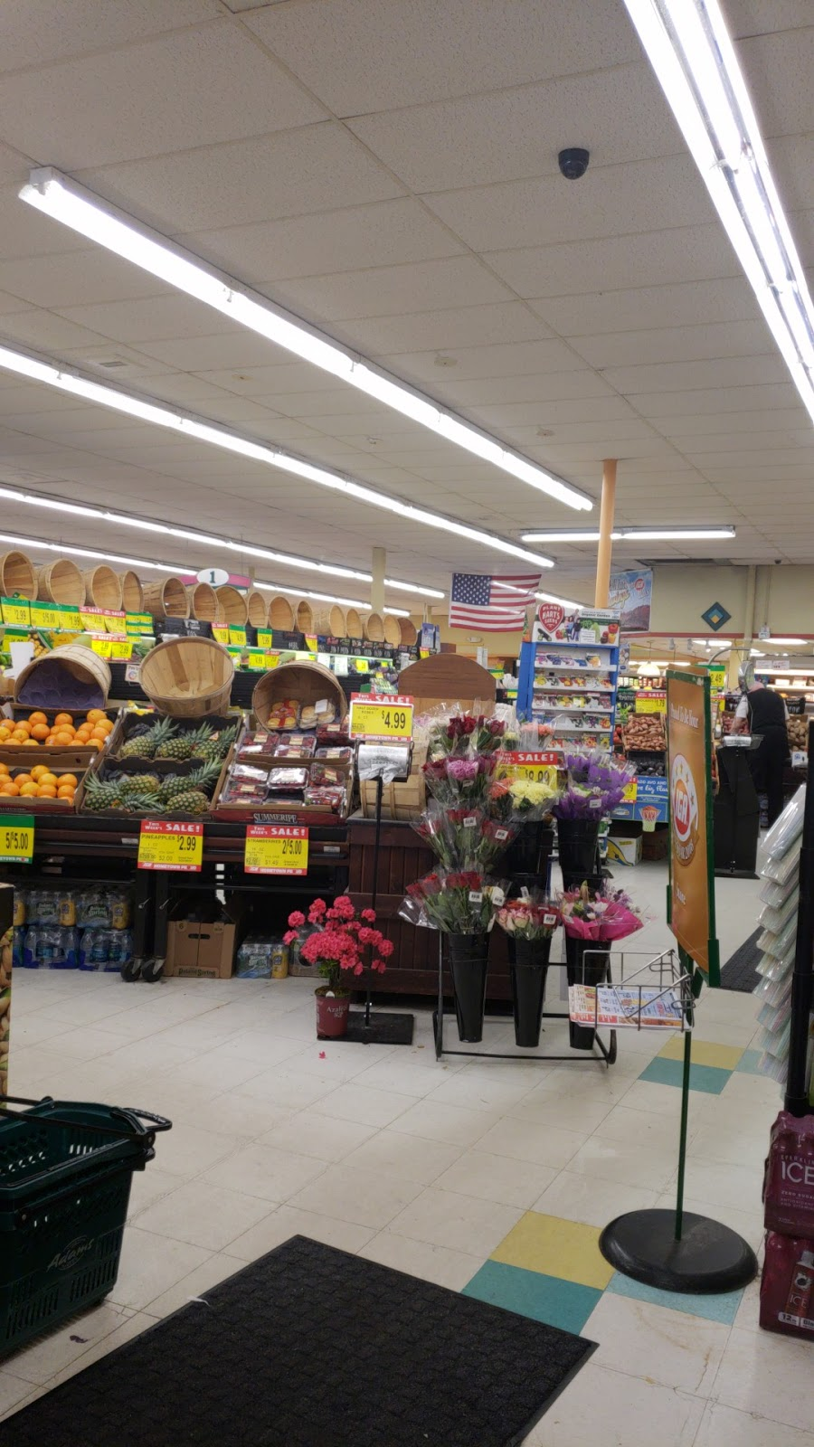Adams Hometown Market - store  | Photo 2 of 7 | Address: 311 Main St, Terryville, CT 06786, USA | Phone: (860) 583-9177
