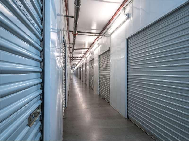 Extra Space Storage - moving company  | Photo 9 of 10 | Address: 11701 Slauson Ave, Santa Fe Springs, CA 90670, USA | Phone: (562) 945-2007