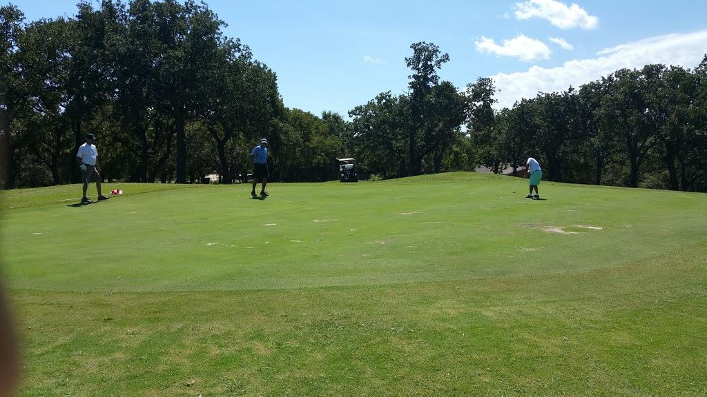 RB Golf Club and Resort - restaurant  | Photo 8 of 10 | Address: 400 Half Moon Way, Runaway Bay, TX 76426, USA | Phone: (940) 575-2225