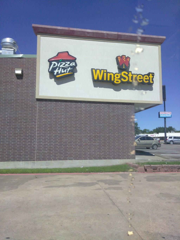 Pizza Hut - restaurant  | Photo 10 of 10 | Address: 110 Hall Rd, Seagoville, TX 75159, USA | Phone: (972) 287-1311