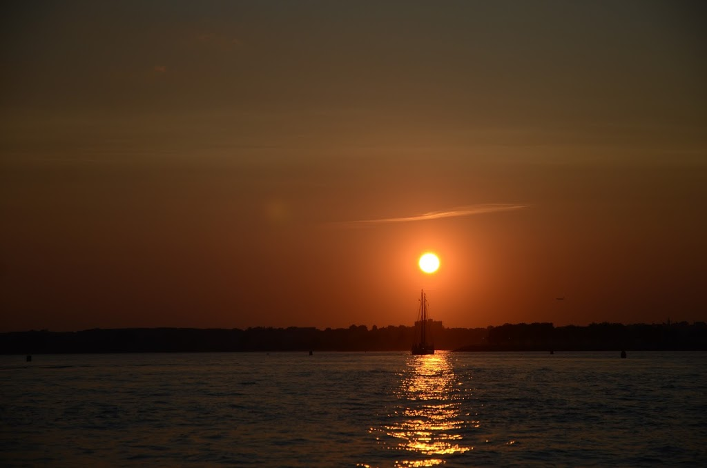 Gotham Sailing - travel agency    Photo 8 of 9   Address: 80 Audrey Zapp Dr, Jersey City, NJ 07305, USA   Phone: (732) 820-0290