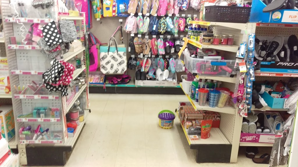 Family Dollar - clothing store  | Photo 5 of 6 | Address: 9 Commons Dr, Cooperstown, NY 13326, USA | Phone: (607) 547-5531