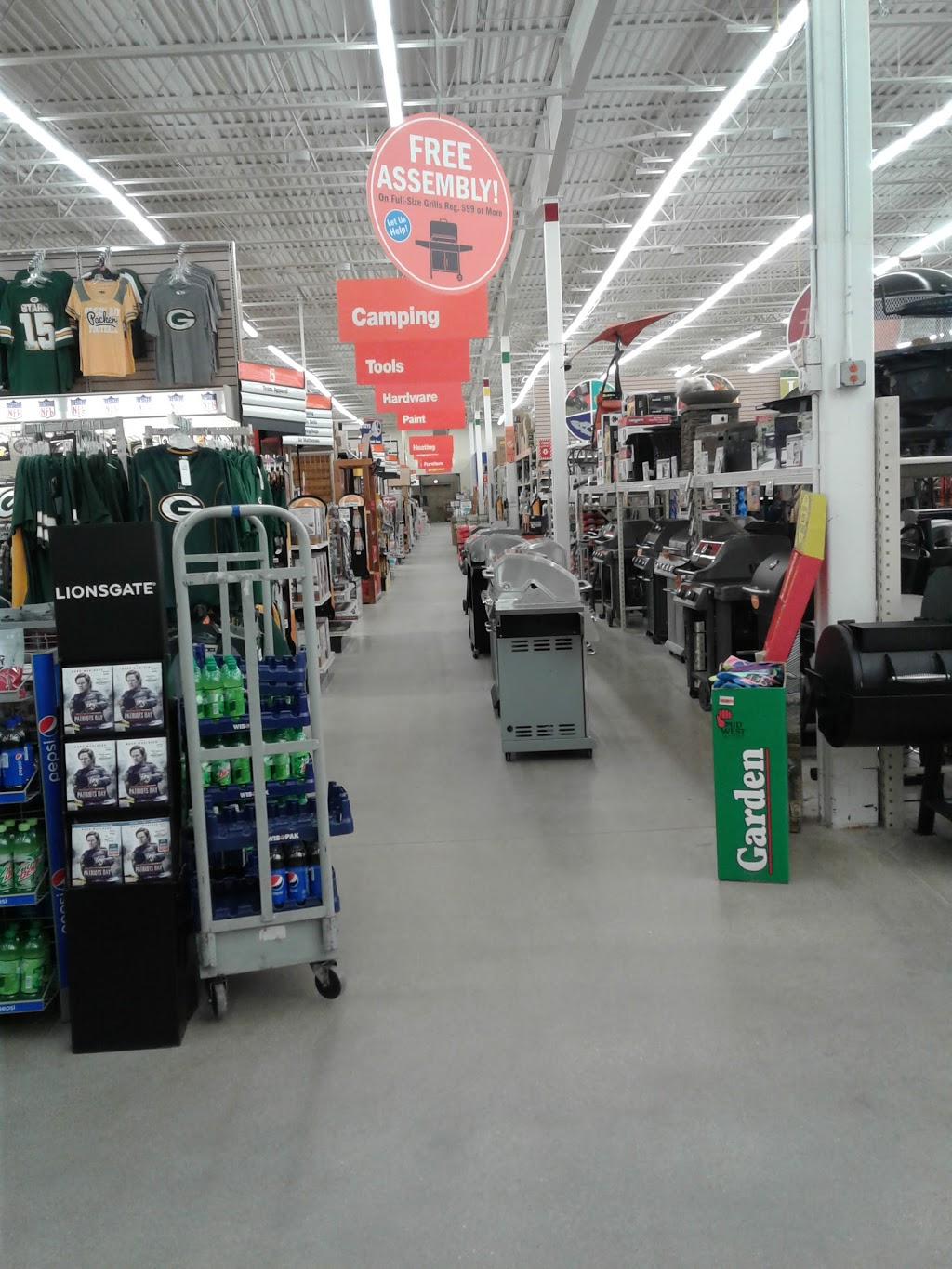 Fleet Farm - clothing store  | Photo 3 of 10 | Address: 3110 Eastern Ave, Plymouth, WI 53073, USA | Phone: (920) 893-5115