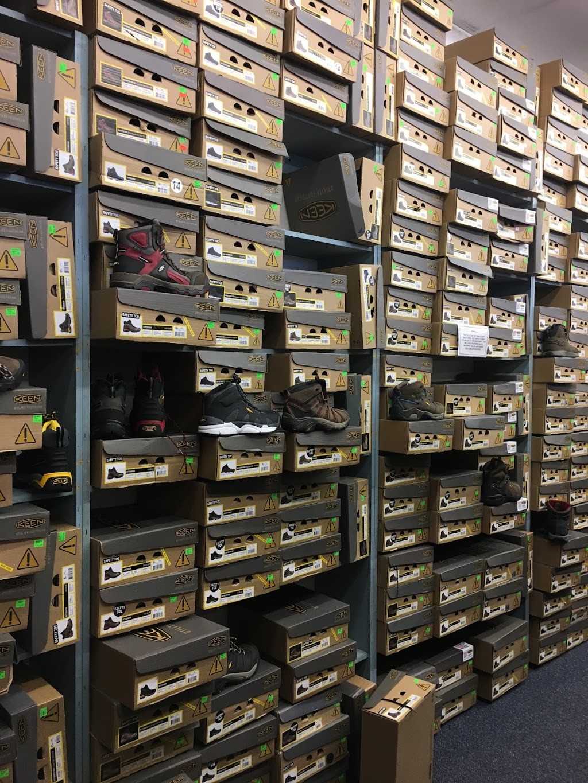 Rogans Shoes - shoe store  | Photo 4 of 10 | Address: 649 S Taylor Dr, Sheboygan, WI 53081, USA | Phone: (920) 451-0188