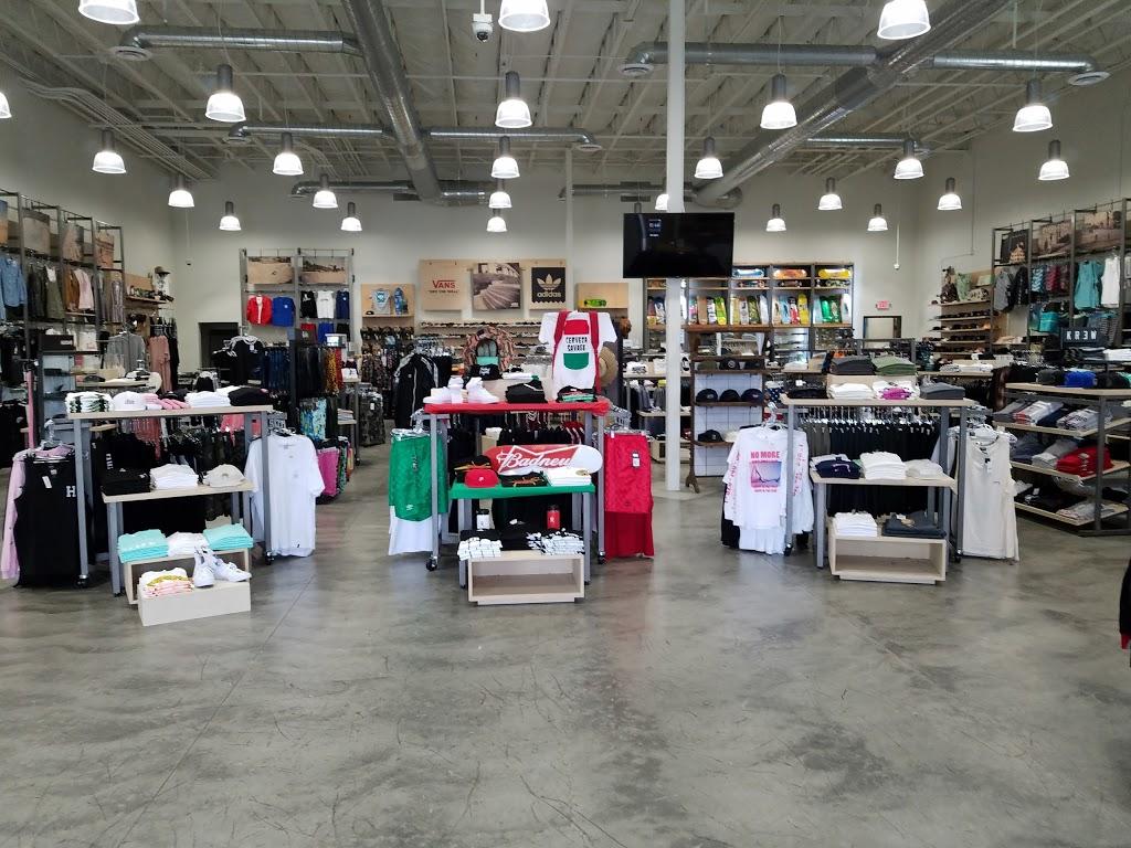 Active Ride Shop - clothing store  | Photo 4 of 9 | Address: 30099 Haun Rd, Menifee, CA 92584, USA | Phone: (951) 267-2550