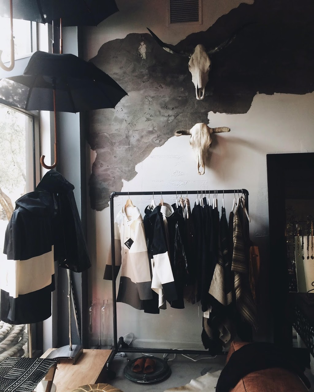 Nomad Chic - clothing store    Photo 10 of 10   Address: 23570 Arnold Dr, Sonoma, CA 95476, USA   Phone: (415) 381-9087