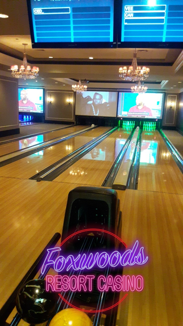 High Rollers Luxury Lanes & Sports Lounge - bowling alley  | Photo 10 of 10 | Address: 350 Trolley Line Blvd, MASHANTUCKET, CT 06338, USA | Phone: (860) 312-2695