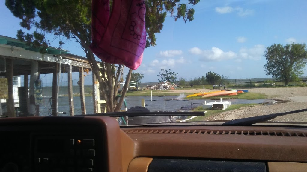 Grassy Point Bait - store  | Photo 2 of 10 | Address: 529 E Bayshore Dr, Palacios, TX 77465, USA | Phone: (361) 972-5053