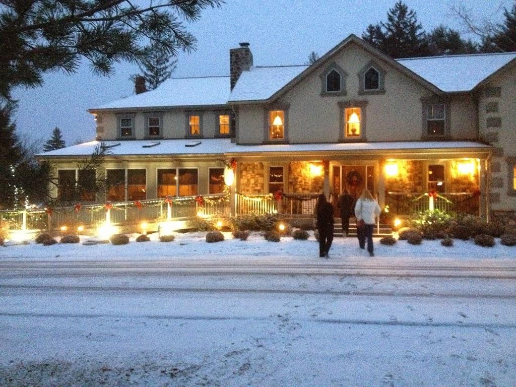 Woodfield Manor - lodging  | Photo 1 of 10 | Address: 472 Red Rock Rd, Cresco, PA 18326, USA | Phone: (570) 895-4401