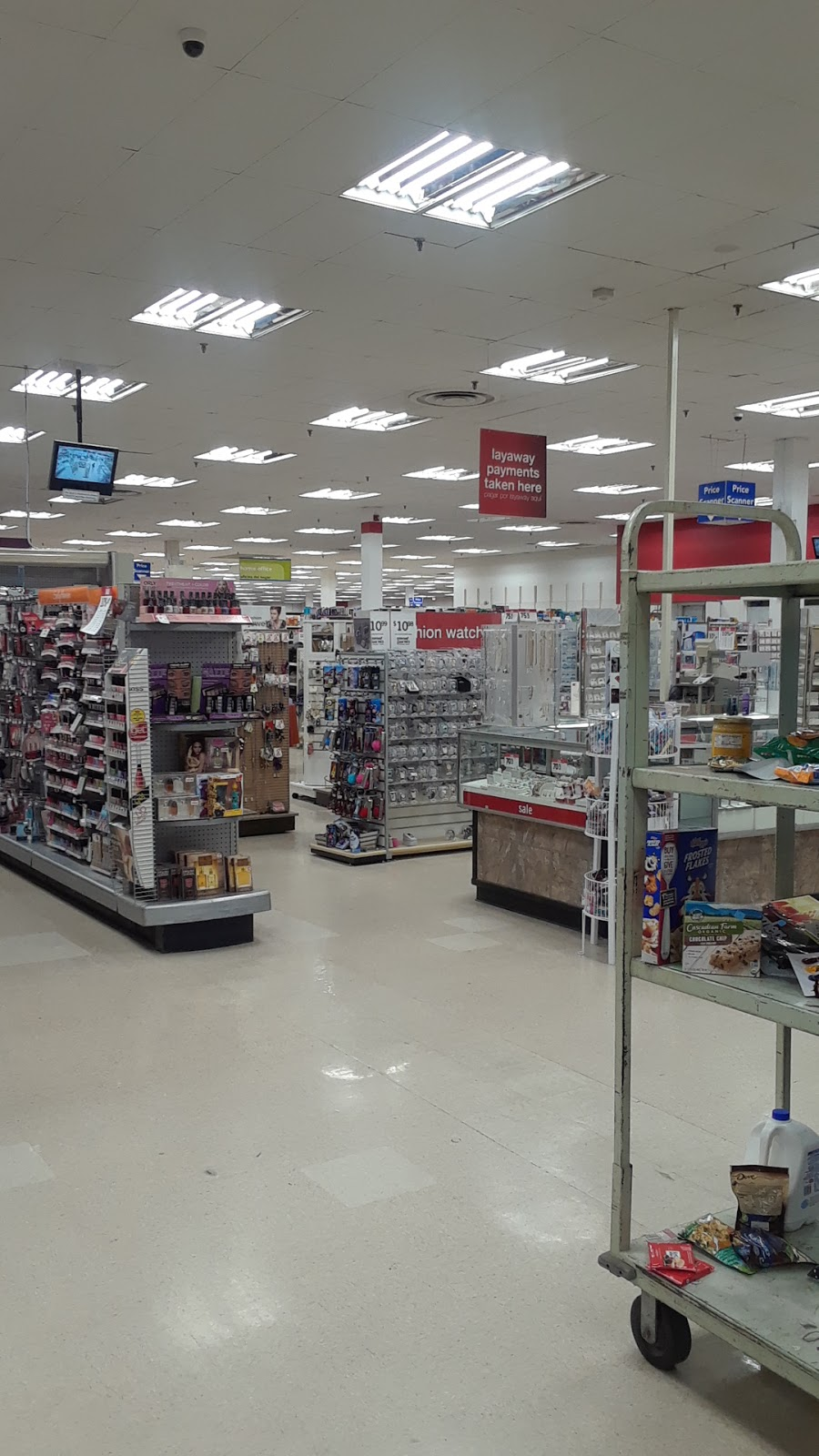 Kmart - clothing store  | Photo 2 of 10 | Address: 2203 N Hampton St, Holyoke, MA 01040, USA | Phone: (413) 538-7655