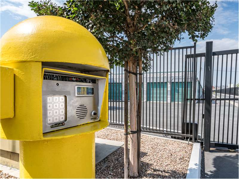 Extra Space Storage - moving company  | Photo 7 of 10 | Address: 11701 Slauson Ave, Santa Fe Springs, CA 90670, USA | Phone: (562) 945-2007