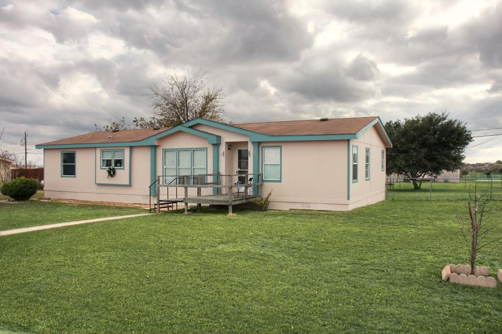 Clear Creek Rentals - lodging  | Photo 1 of 10 | Address: 6000 S Clear Creek Rd, Killeen, TX 76549, USA | Phone: (254) 526-4316