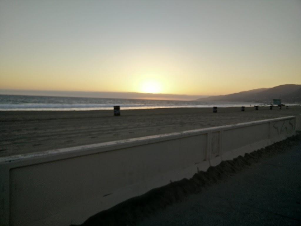 ZUMA CAFE - restaurant  | Photo 2 of 8 | Address: 30066 Pacific Coast Hwy, Malibu, CA 90265, USA