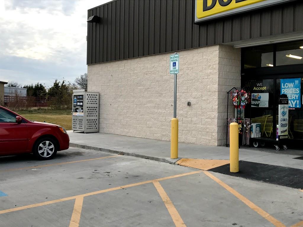 Dollar General - home goods store  | Photo 10 of 10 | Address: 14620 TX-121, Trenton, TX 75490, USA | Phone: (903) 206-4414