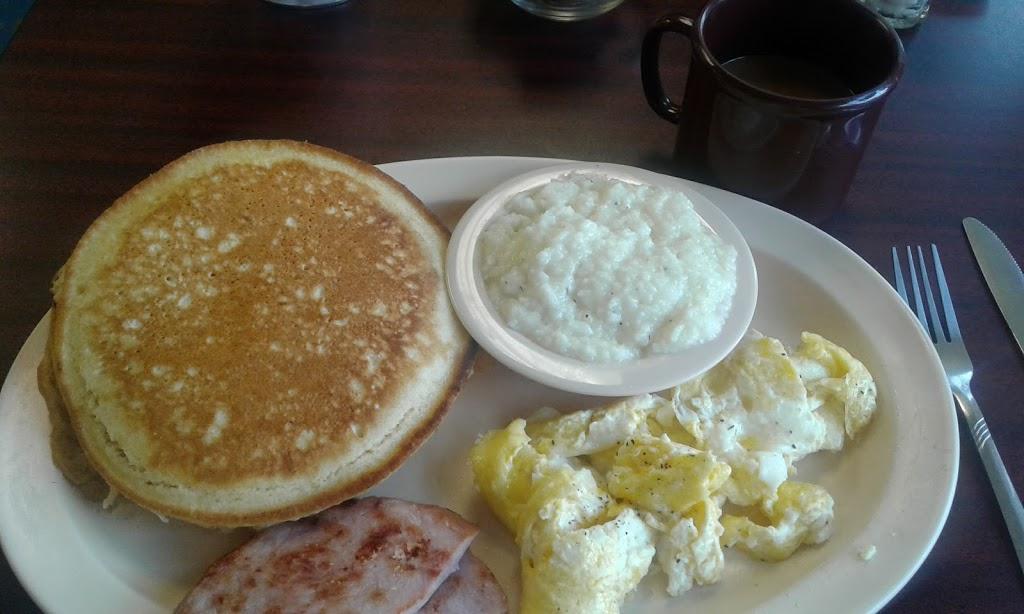 Gulf Station Cafe - cafe    Photo 7 of 10   Address: 1040 San Antonio Ave, Many, LA 71449, USA   Phone: (318) 273-2233
