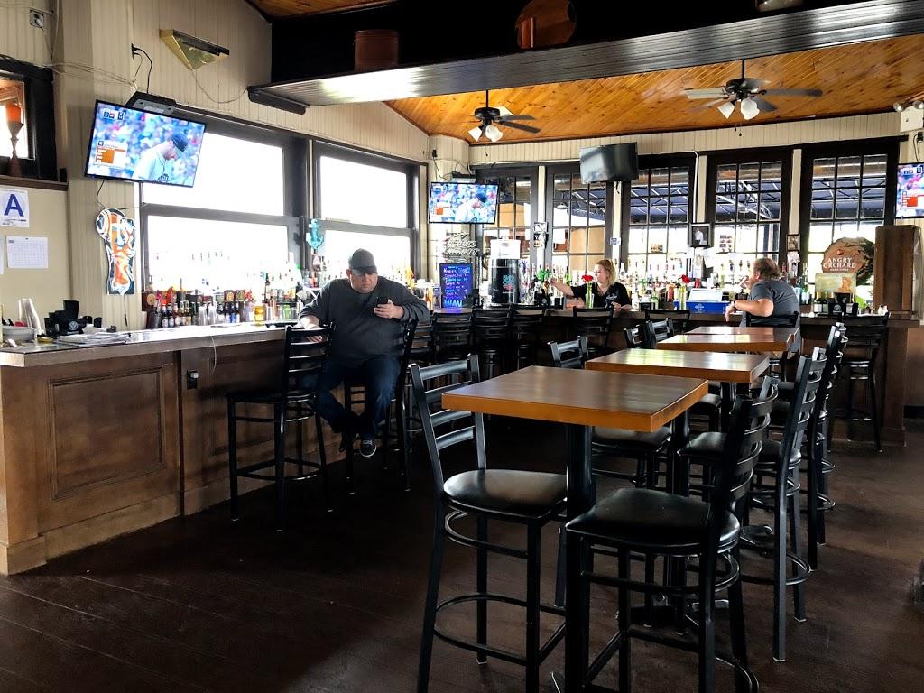 South Shore Bar & Grill - restaurant  | Photo 1 of 10 | Address: 225 Ellis St, Staten Island, NY 10307, USA | Phone: (718) 227-2258