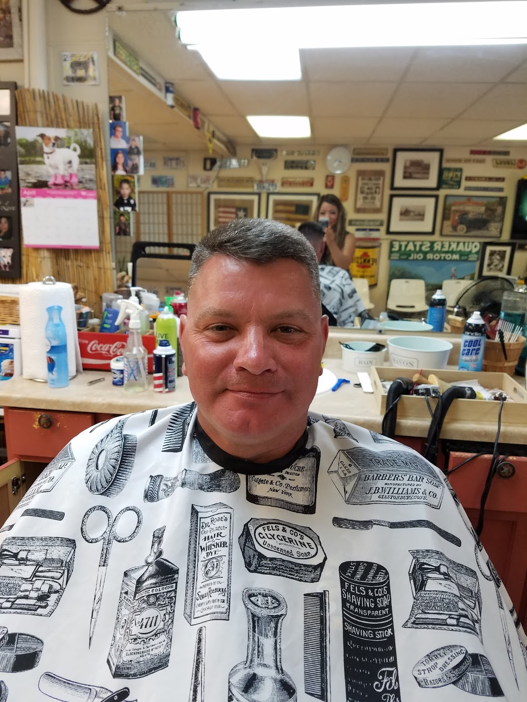 Chongs Barber Shop - hair care  | Photo 8 of 10 | Address: 1527 E U.S. 190, Copperas Cove, TX 76522, USA | Phone: (254) 833-1567
