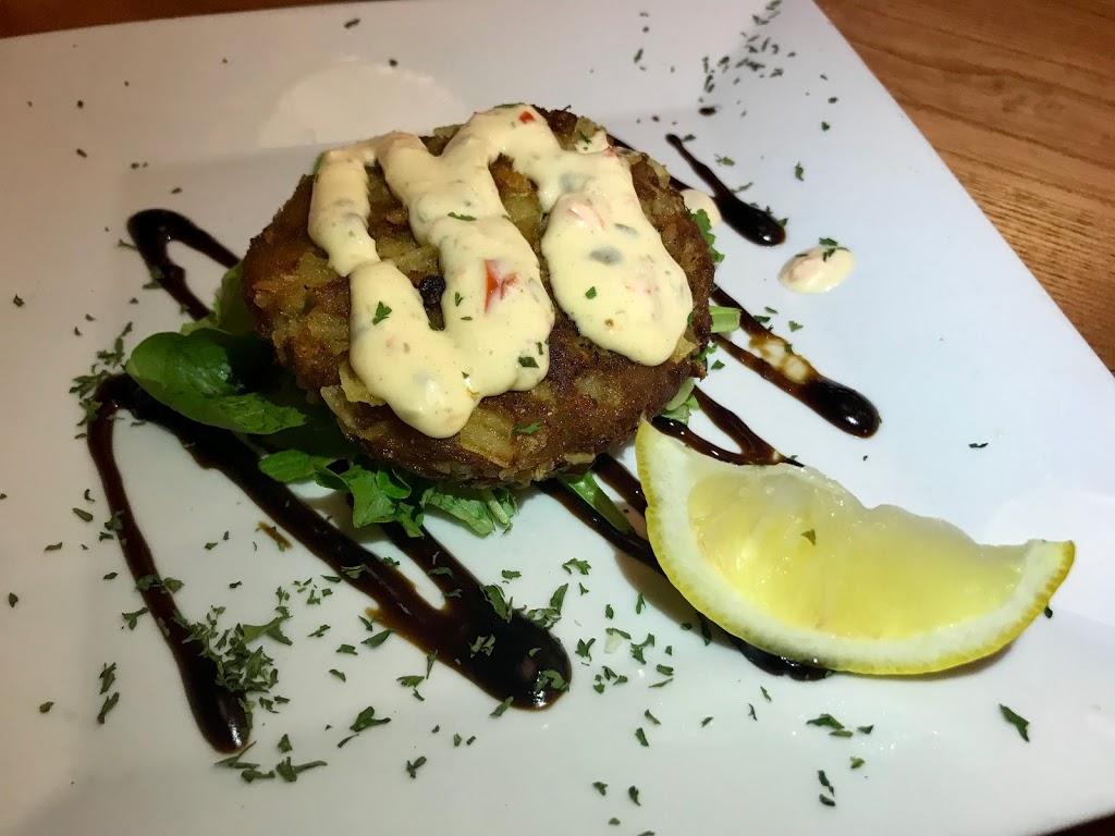 Beach House Grill - restaurant  | Photo 7 of 10 | Address: 1 Dorne Dr, Stratford, CT 06615, USA | Phone: (203) 612-7134
